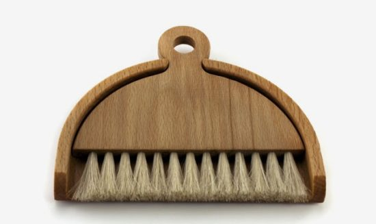 iris-table-brush-and-dustpan_2